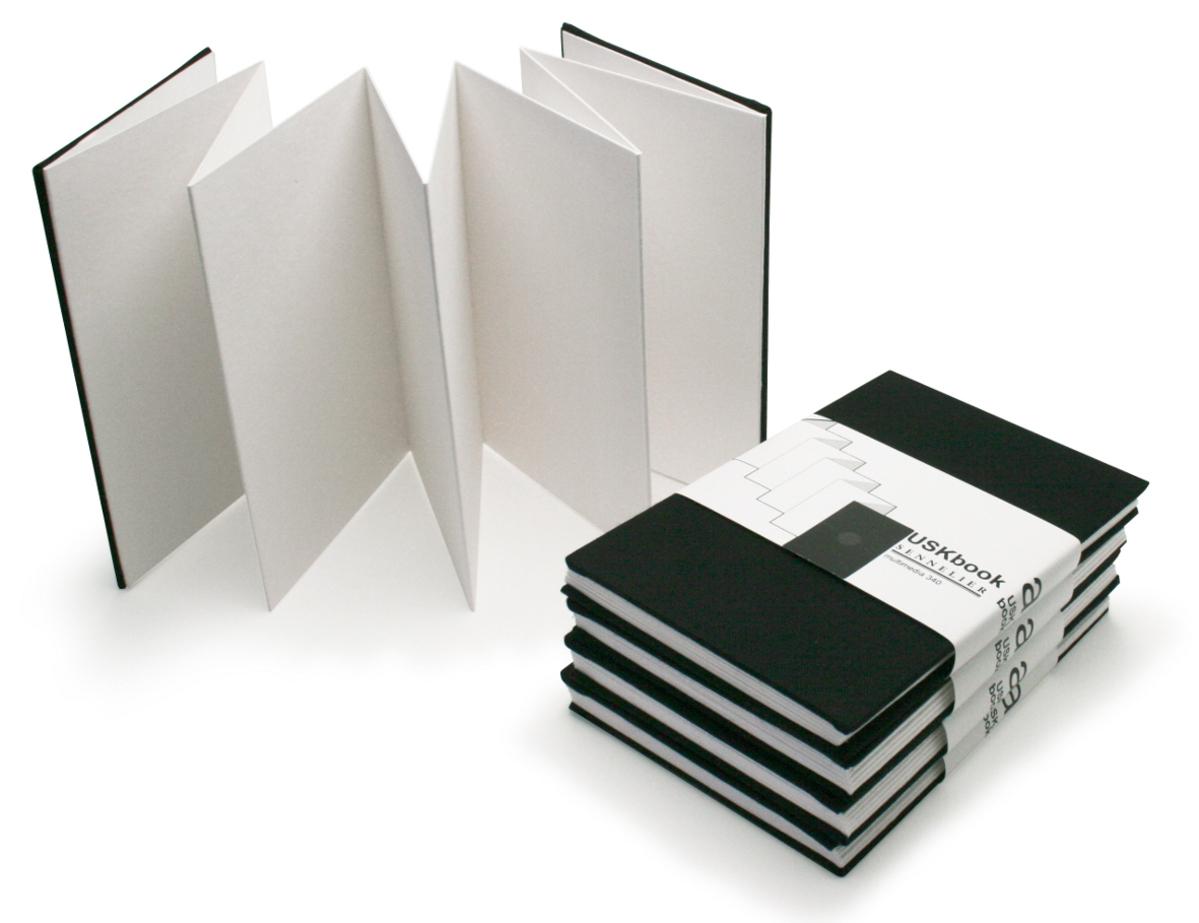 USKBook, das Skizzenbuch, das sich ausstellt